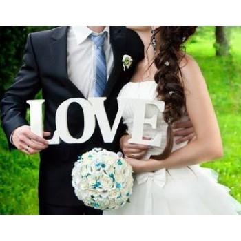 Объемная надпись Love из пенопласта